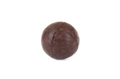 Lot 1722 - A VICTORIAN FEATHER GOLF BALL
