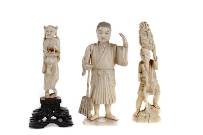 Lot 625 - AN EARLY 20TH CENTURY JAPANESE IVORY CARVED FIGURE AND TWO OTHER CARVINGS