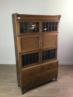 Lot 1741 - AN EARLY 20TH CENTURY OAK SECTIONAL BOOKCASE