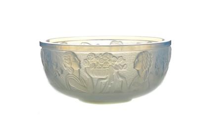 Lot 1108 - AN ART DECO SABINO OPALESCENT GLASS BOWL