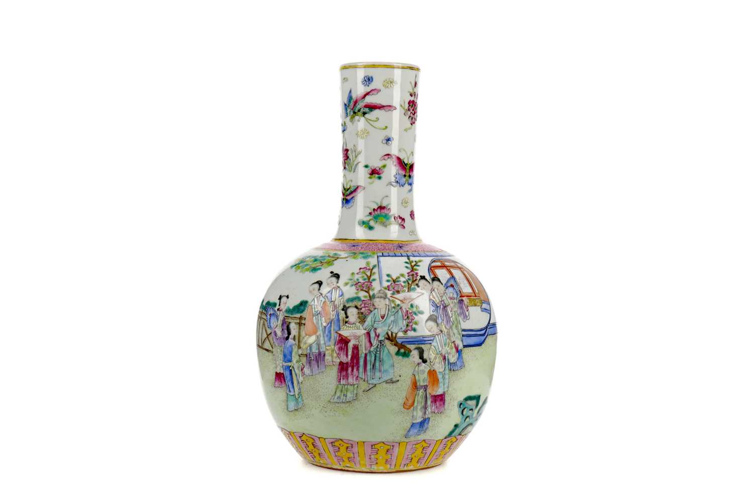 Lot 644 - A LATE 19TH CENTURY CHINESE BOTTLE VASE
