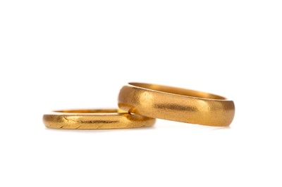 Lot 321 - TWO GOLD WEDDING BANDS
