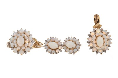 Lot 370 - SUITE OF OPAL AND DIAMOND JEWELLERY