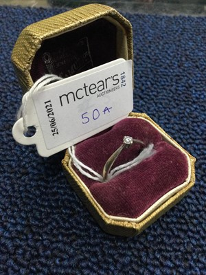 Lot 50A - A DIAMOND SOLITAIRE RING