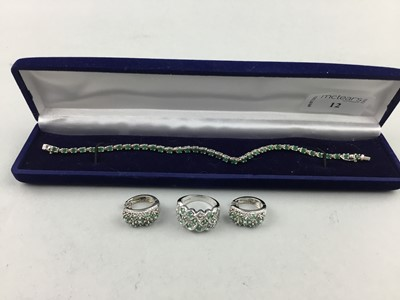 Lot 12 - A SILVER AND EMERALD BRACELET, RING AND EARRINGS
