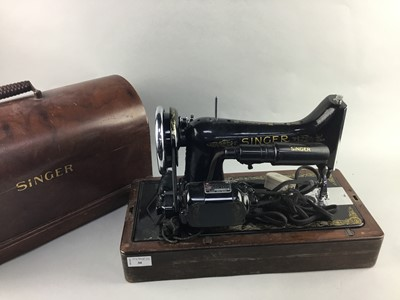Lot 30 - A SINGER SEWING MACHINE