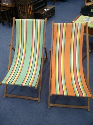 Lot 56 - A LOT OF TWO 1950'S VINTAGE DECK CHAIRS