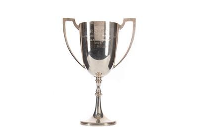 Lot 1733 - AN R.B.Y.C HOG ISLAND RACE SILVER TROPHY CUP