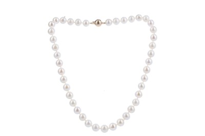 Lot 365 - A PEARL NECKLACE