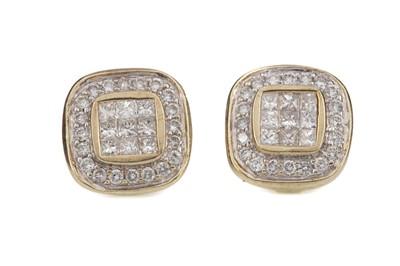 Lot 1484 - A PAIR OF DIAMOND SET EARRINGS
