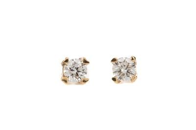 Lot 812 - A PAIR OF DIAMOND STUD EARRINGS