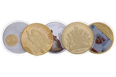 Lot 44 - A COLLECTION OF LARGE COMMEMORATIVE COINS