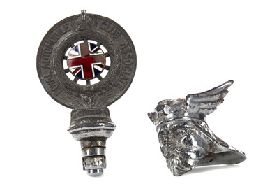 Lot 1356 - A ROVER STYLE CHROME PLATED CAR MASCOT, ALONG WITH AN RAC BADGE