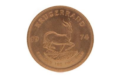 Lot 59 - A GOLD KRUGERRAND DATED 1974