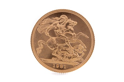 Lot 89 - AN ELIZABETH II GOLD SOVEREIGN DATED 1981