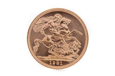 Lot 100 - AN ELIZABETH II GOLD SOVEREIGN DATED 1981