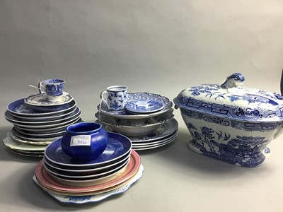 Lot 56 - A 19TH CENTURY BLUE AND WHITE TURREN AND COVER AND OTHER CERAMICS