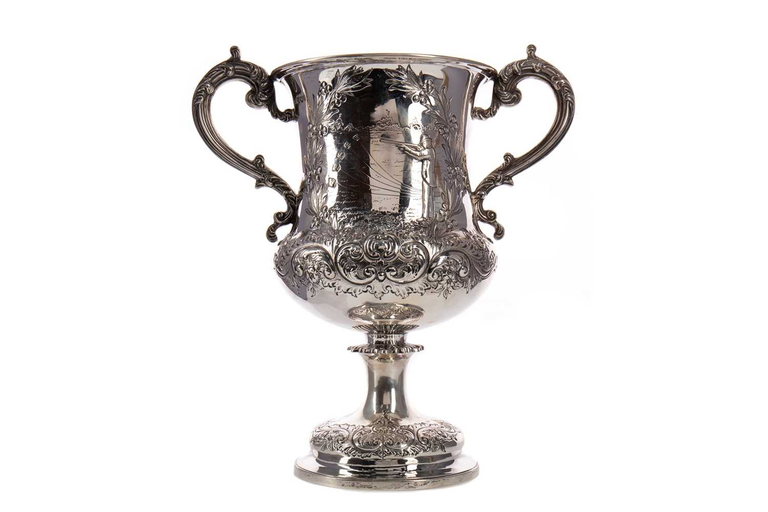Lot 415 - A VICTORIAN SILVER TROPHY CUP