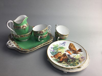 Lot 10 - AN EARLY 20TH CENTURY ROYAL WORCESTER TEA SERVICE