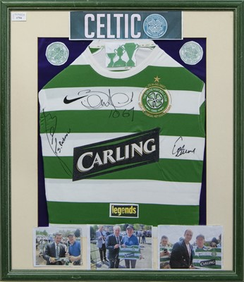 Lot 1754 - A STILIYAN PETROV, BERTIE AULD AND TOSH MCKINLAY SIGNED CETLIC F.C. JERSEY