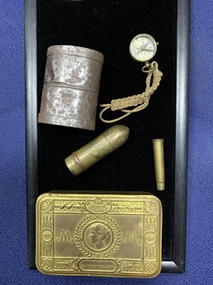 Lot 32A - A LOT OF WWI ITEMS