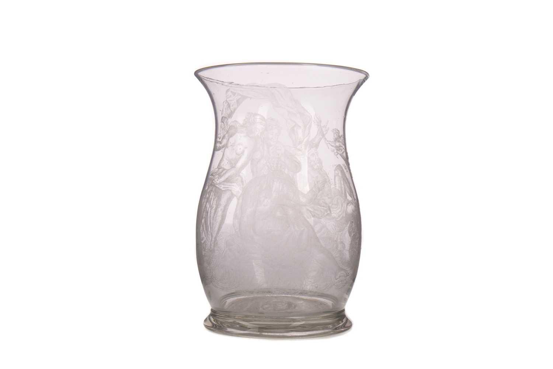 Lot 1005 - AN EARLY 19TH CENTURY DUTCH SODA GLASS VASE