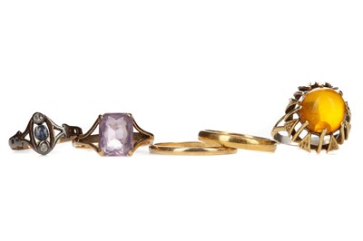 Lot 834 - A GROUP OF GEM SET RINGS