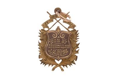 Lot 1739 - AN EDWARDIAN EDINBURGH CORPORATION GOLF CLUB NINE CARAT GOLD MEDAL