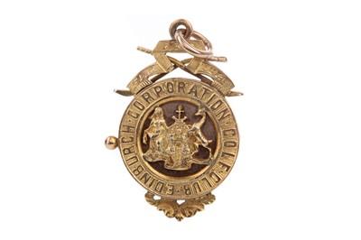 Lot 1741 - AN EDWARDIAN EDINBURGH CORPORATION GOLF CLUB NINE CARAT GOLD MEDAL