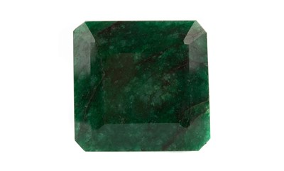 Lot 908 - **A CERTIFICATED UNMOUNTED EMERALD