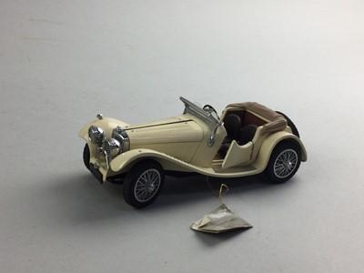 Lot 16 - A FRANKLIN MINT PRECISION MODEL 1938 JAGUAR SS 100