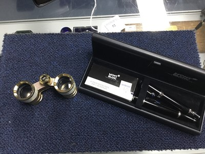 Lot 52 - A MONT BLANC PEN AND PENCIL SET, OTHER PENS AND A PAIR OF OPERA GLASSES
