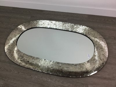 Lot 95 - A MODERN OVAL WALL MIRROR IN A MIRRORED MOSAIC TYPE FRAME