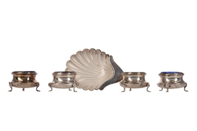 Lot 446 - AN EDWARDIAN SILVER BUTTER DISH, ALONG WITH FOUR OPEN SALTS
