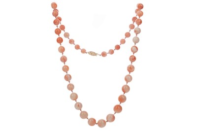Lot 306 - AN ANGEL SKIN CORAL NECKLACE