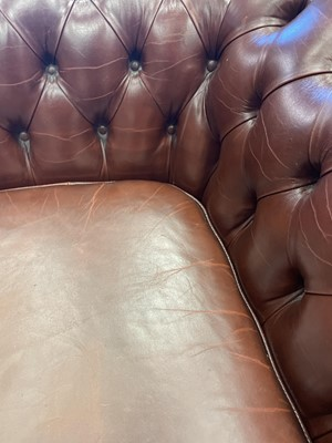 Lot 724 - A PAIR OF MODERN CHESTERFIELD SETTEES