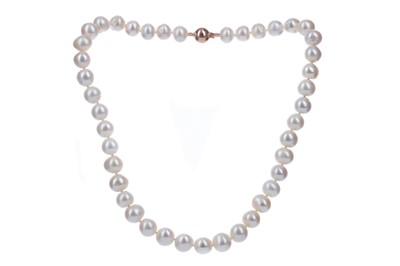 Lot 372 - A STRING OF PEARLS