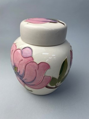 Lot 12 - A MOORCROFT GINGER JAR WITH COVER