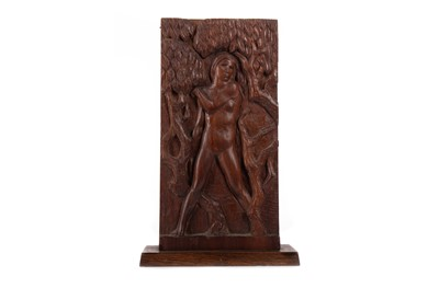 Lot 588 - DIANA, A WOOD CARVING BY SCOTT SUTHERLAND