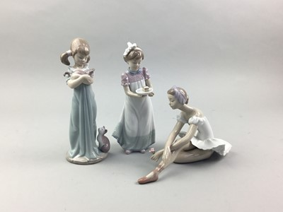 Lot 52 - A LOT OF THREE LLADRO FIGURES IN ORIGIANL BOXES