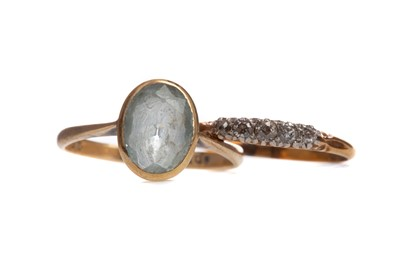 Lot 400 - A DIAMOND FIVE STONE RING AND A BLUE GEM SET RING