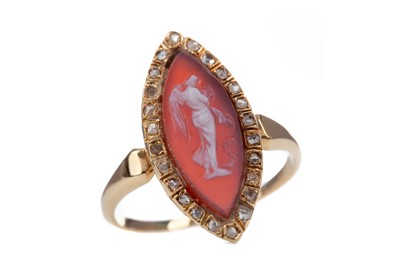 Lot 415 - A CAMEO AND DIAMOND RING