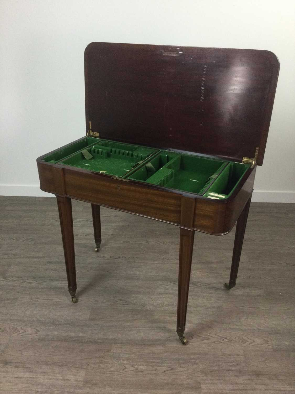Lot 709 - AN EARLY 20TH CENTURY MAHOGANY CANTEEN TABLE