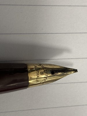 Lot 736 - A COLLECTION OF EIGHT FOUNTAIN PENS