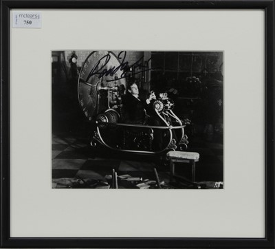 Lot 750 - A PHOTOGRAPH OF ROD TAYLOR