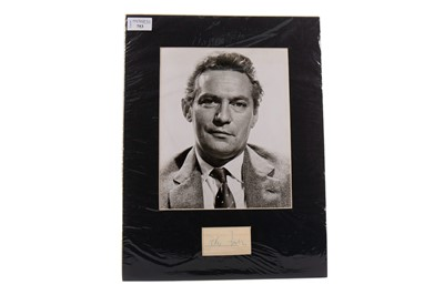 Lot 753 - A PHOTOGRAPH OF PETER FINCH