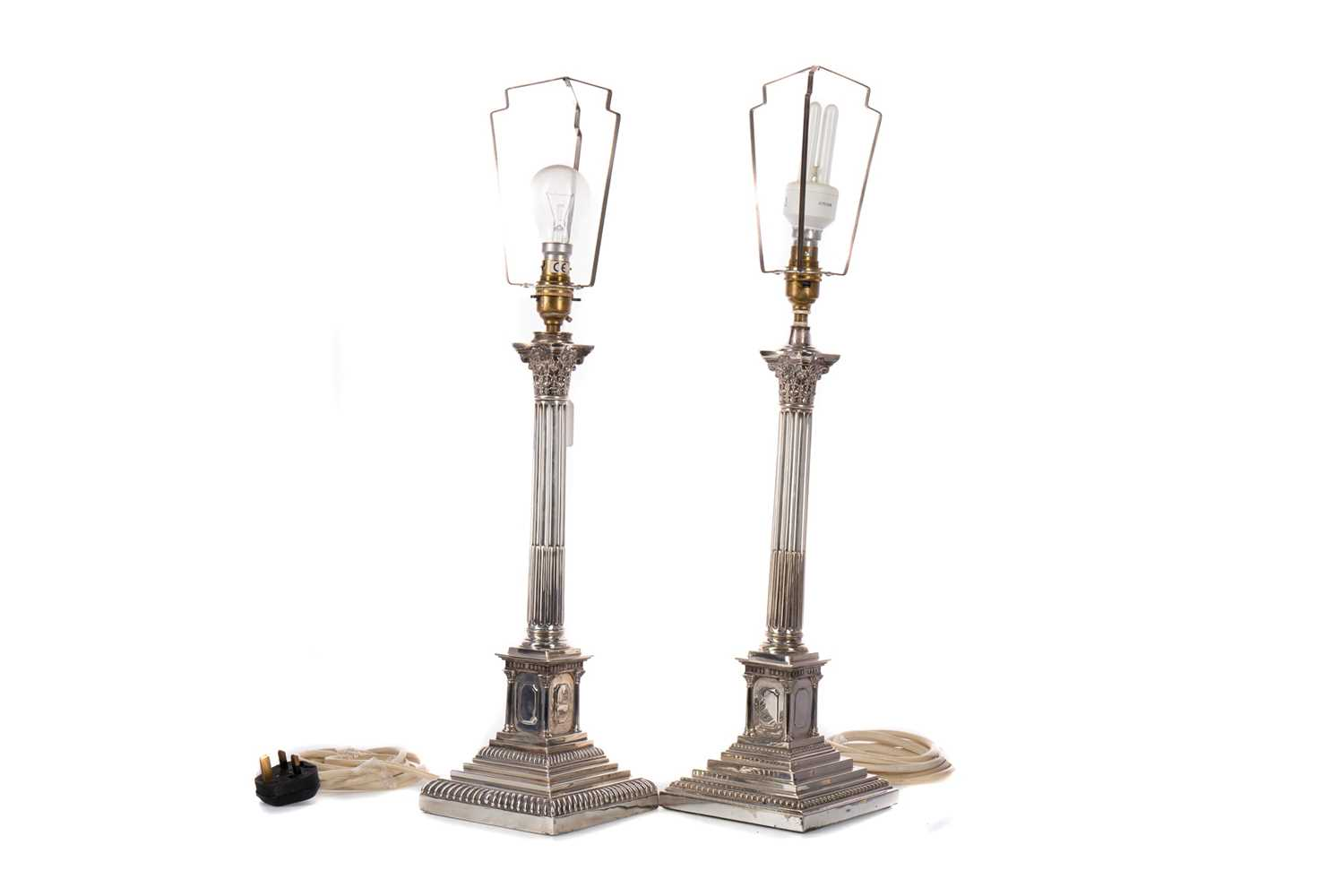 Lot 489 - A MATCHED PAIR OF EARLY 20TH CENTURY CORINTHIAN COLUM TABLE LAMPS