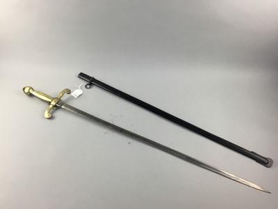 Lot 10 - A REPRODUCTION DRESS SWORD
