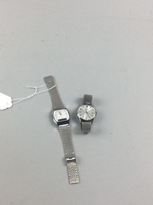 Lot 5 - A LOT OF TWO GENTLEMAN'S WRIST WATCHES