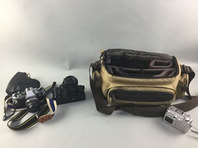 Lot 64 - A LOT OF CAMERAS AND ACCESSORIES